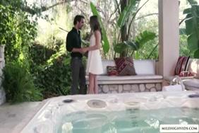 Hd sexy video downloading khoon nikalne wala