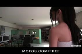 नाबालिग लडकी india x videos moves.com